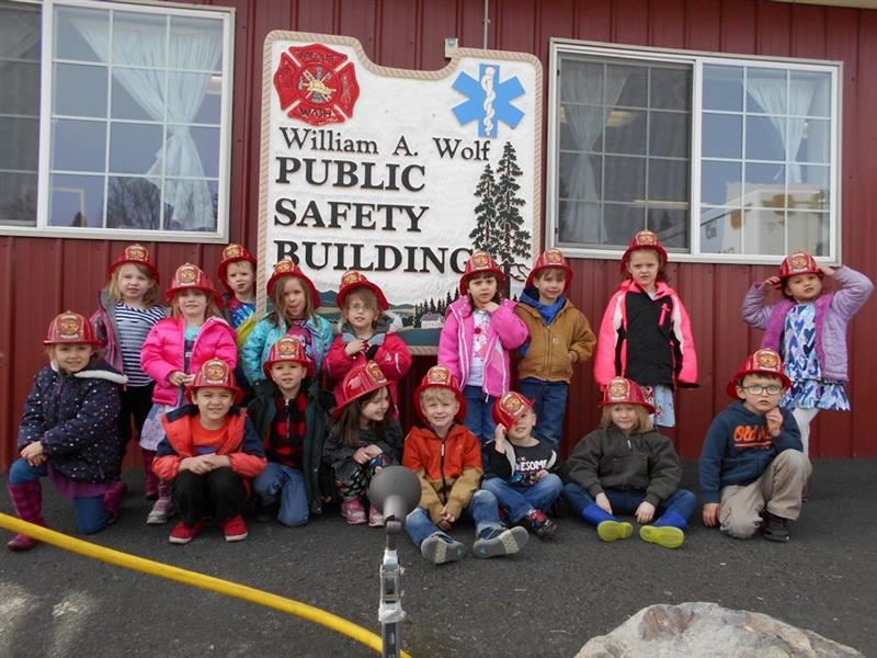 Palouse Preschool Visits Fire Station